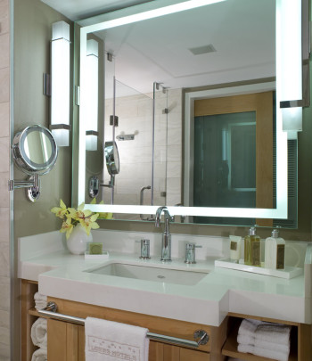 Integrity-Lighted-Mirror-at-Loews-350x405